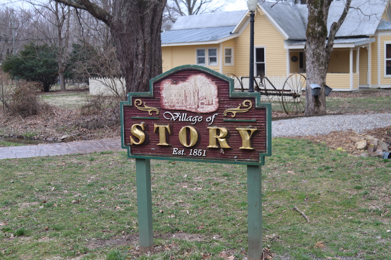 Village of Story Inn Sign